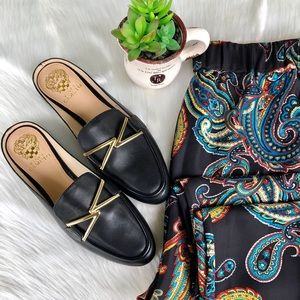 Vince Camuto Gold Buckle Black Flats – Size 7.5